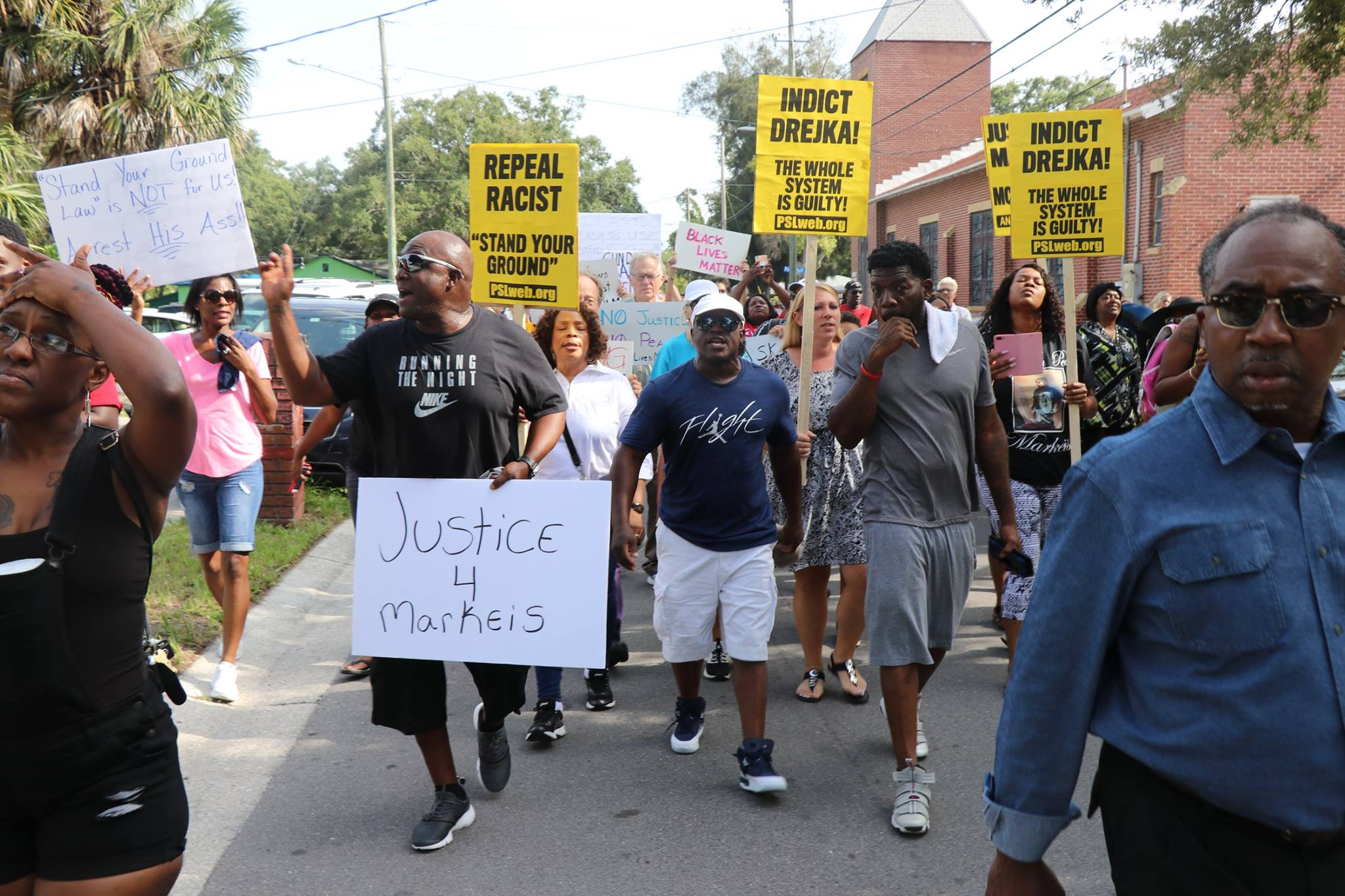 Photo of Justice for Markeis McGlockton: Hundreds rally in streets of Clearwater, Florida