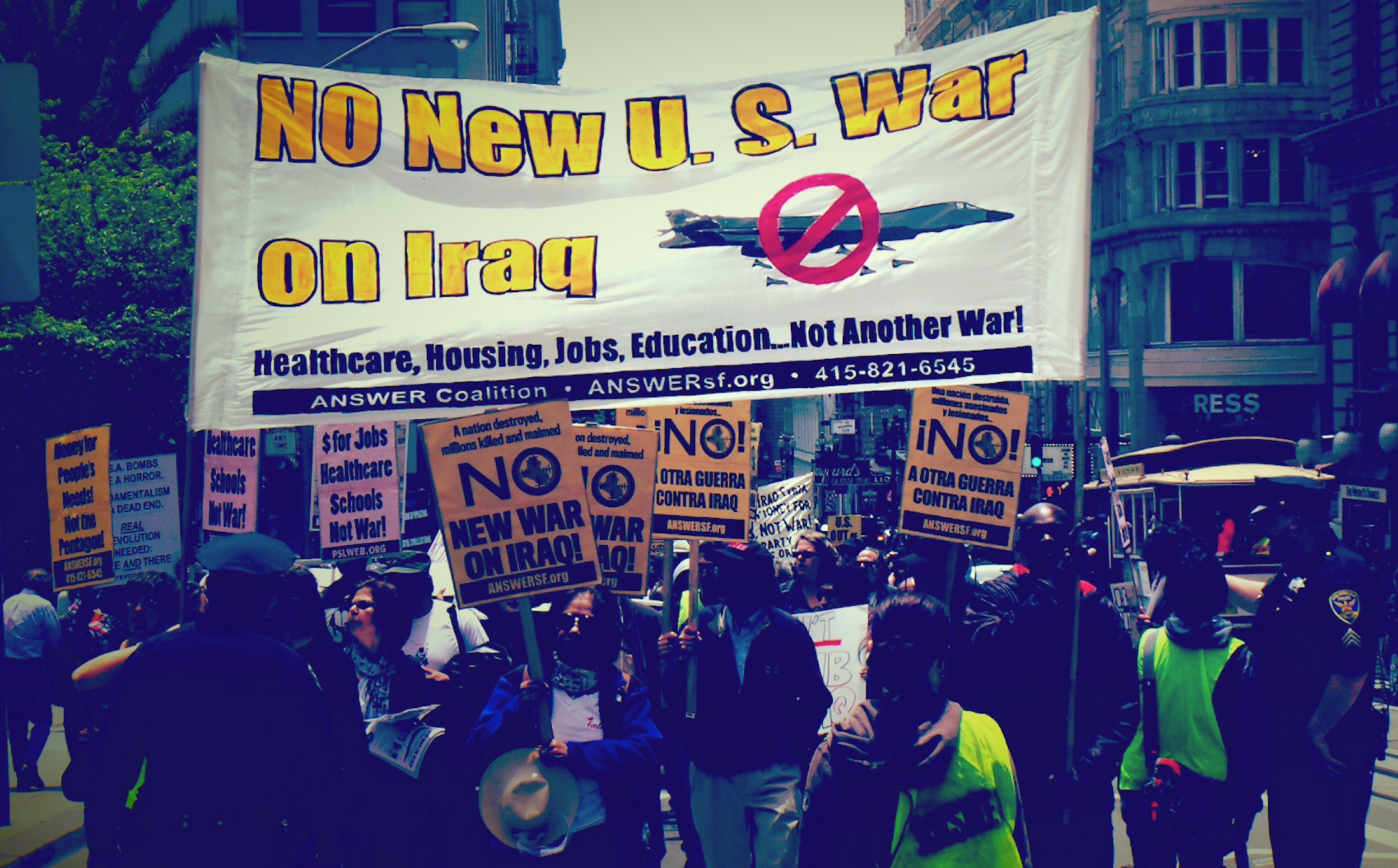 Photo of San Francisco says: No new war in Iraq!