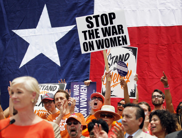Photo of Sexist court upholds Texas anti-abortion law