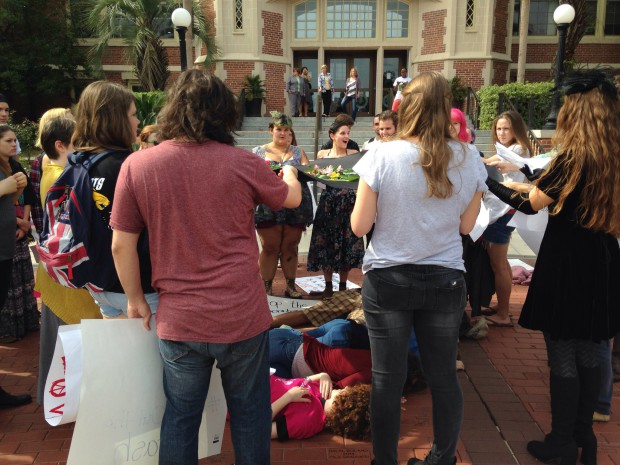 Photo of FSU students and faculty fight billionaires for control of university
