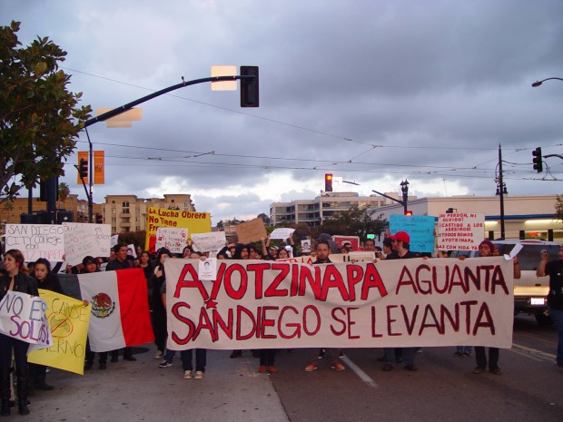 Photo of Students in San Diego march for Ayotzinapa