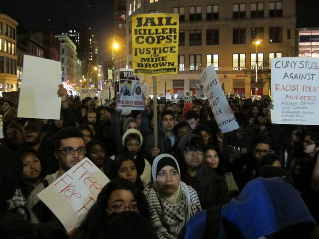 Photo of Bridges, highways, Times Square: #MikeBrown protests shut it down