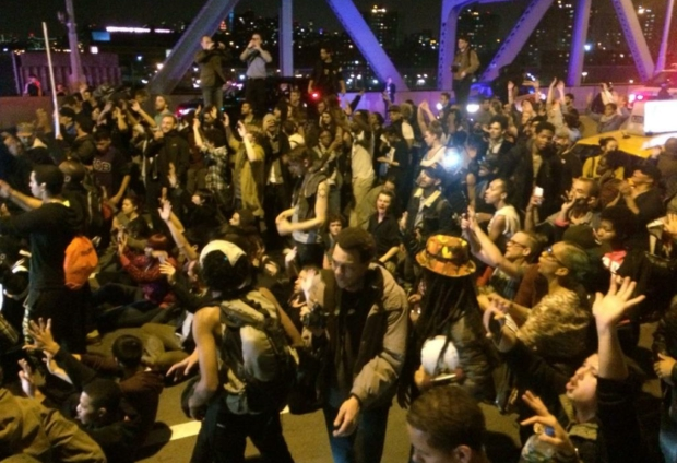 Photo of Hours after grand jury announcement, protesters shut down NYC bridges