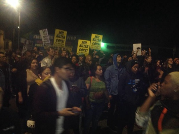 Photo of Los Angeles marches all night for Mike Brown