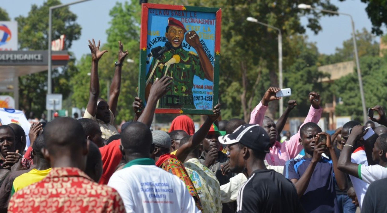 Photo of Protests oust imperialist-backed dictator in Burkina Faso
