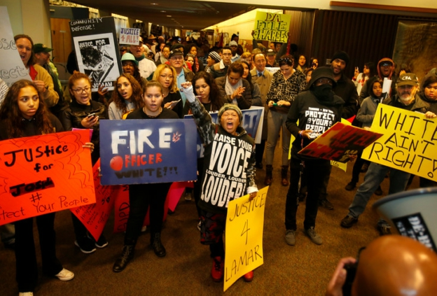 Photo of San José protesters call for termination of rogue cop