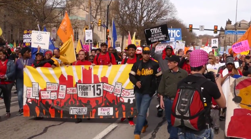 Photo of Pittsburgh workers strike April 15 for $15 minimum wage