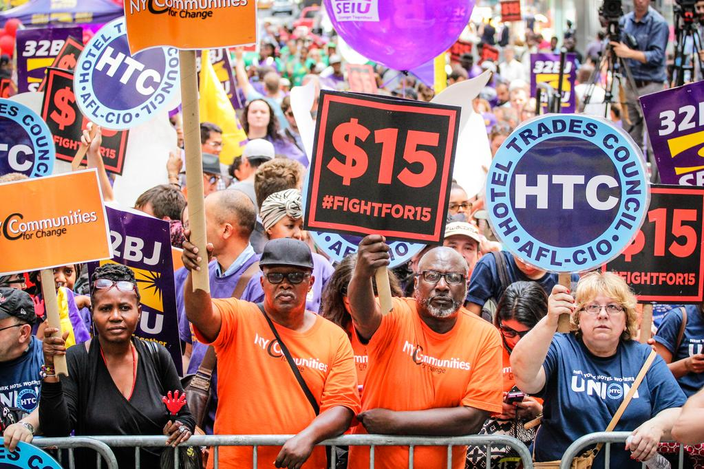 Photo of Workers struggle wins $15 in NY