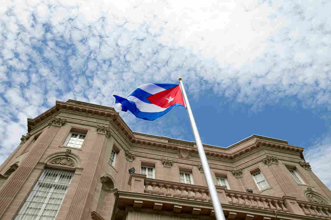 Photo of Cuban foreign minister's speech at Cuba embassy opening