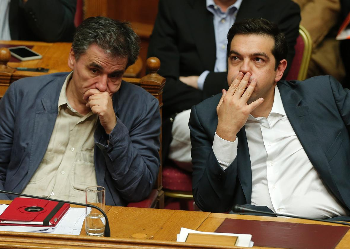 Photo of Greece bailout approved as SYRIZA split looms
