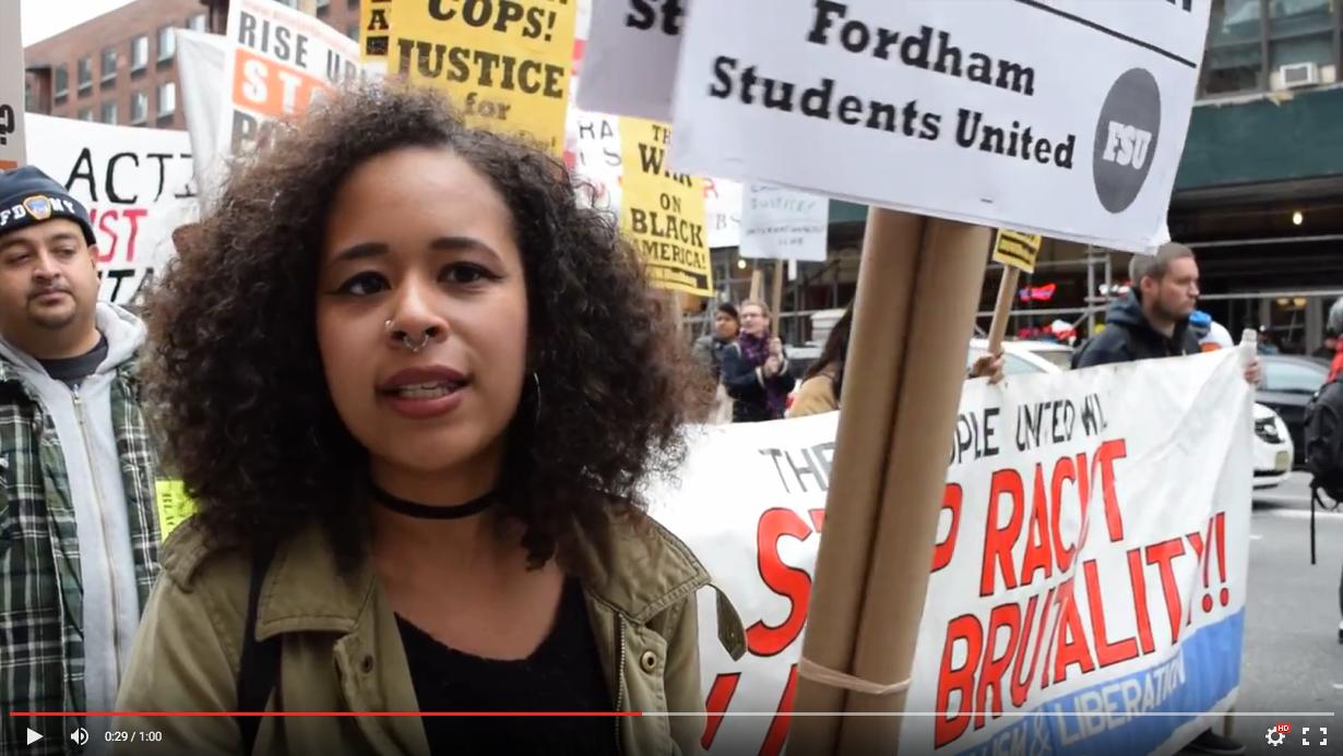 Photo of 'Ferguson está aquí'–Miles marchan en Nueva York