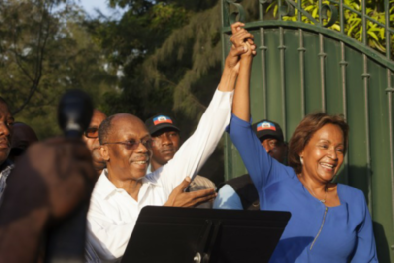 Photo of Aristide denounces 'electoral coup'