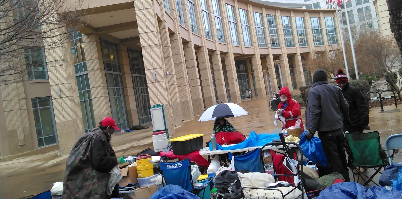 Sacramento homeless occupy and fight City Hall