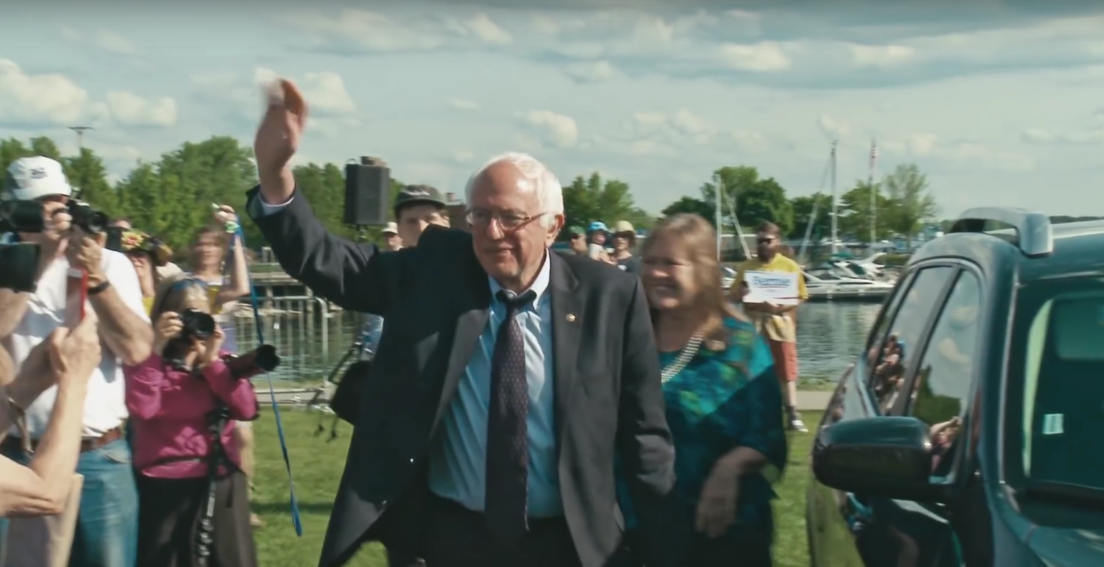 Photo of Sanders surges in New Hampshire