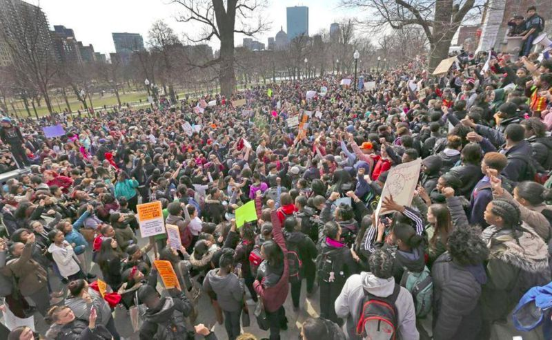 Photo of Thousands of Boston public school students walk out