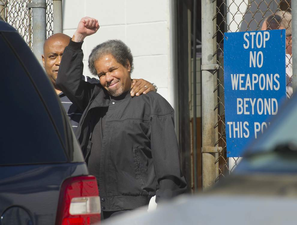 Photo of Albert Woodfox speaks to the people after 44 years in solitary