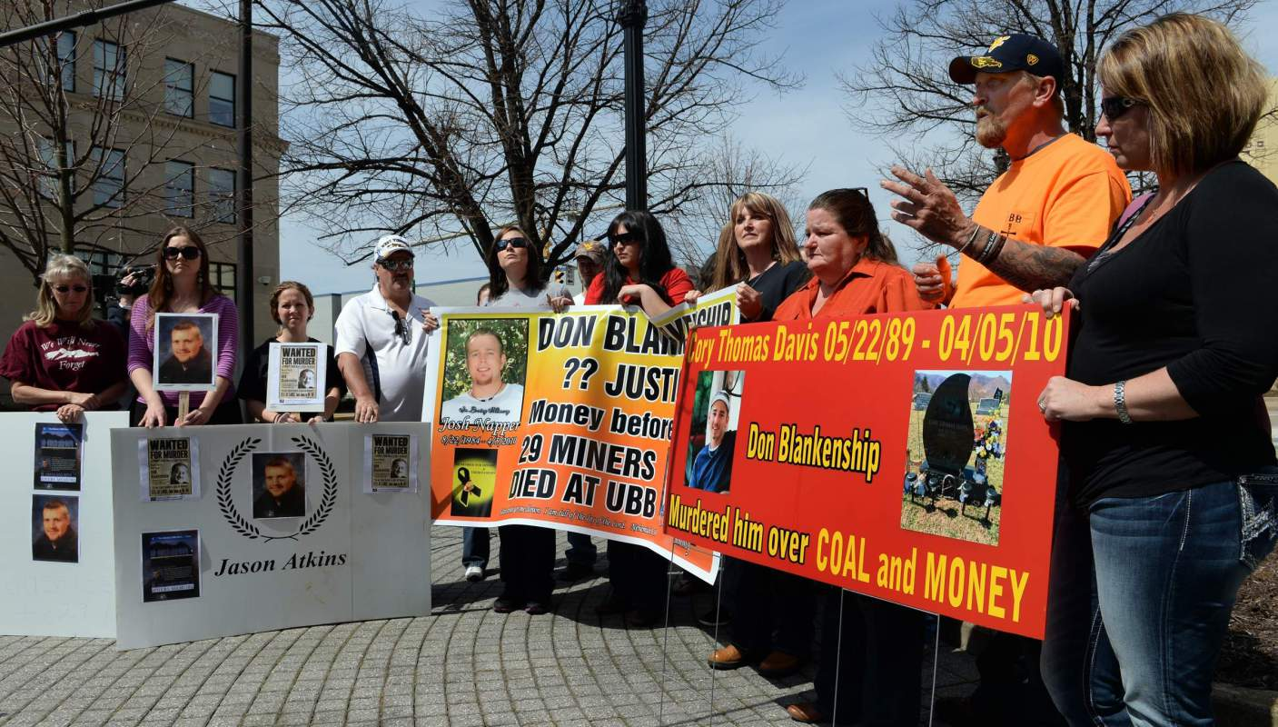 Photo of Capitalist injustice: Coal baron gets slap on the wrist for killing 29 miners