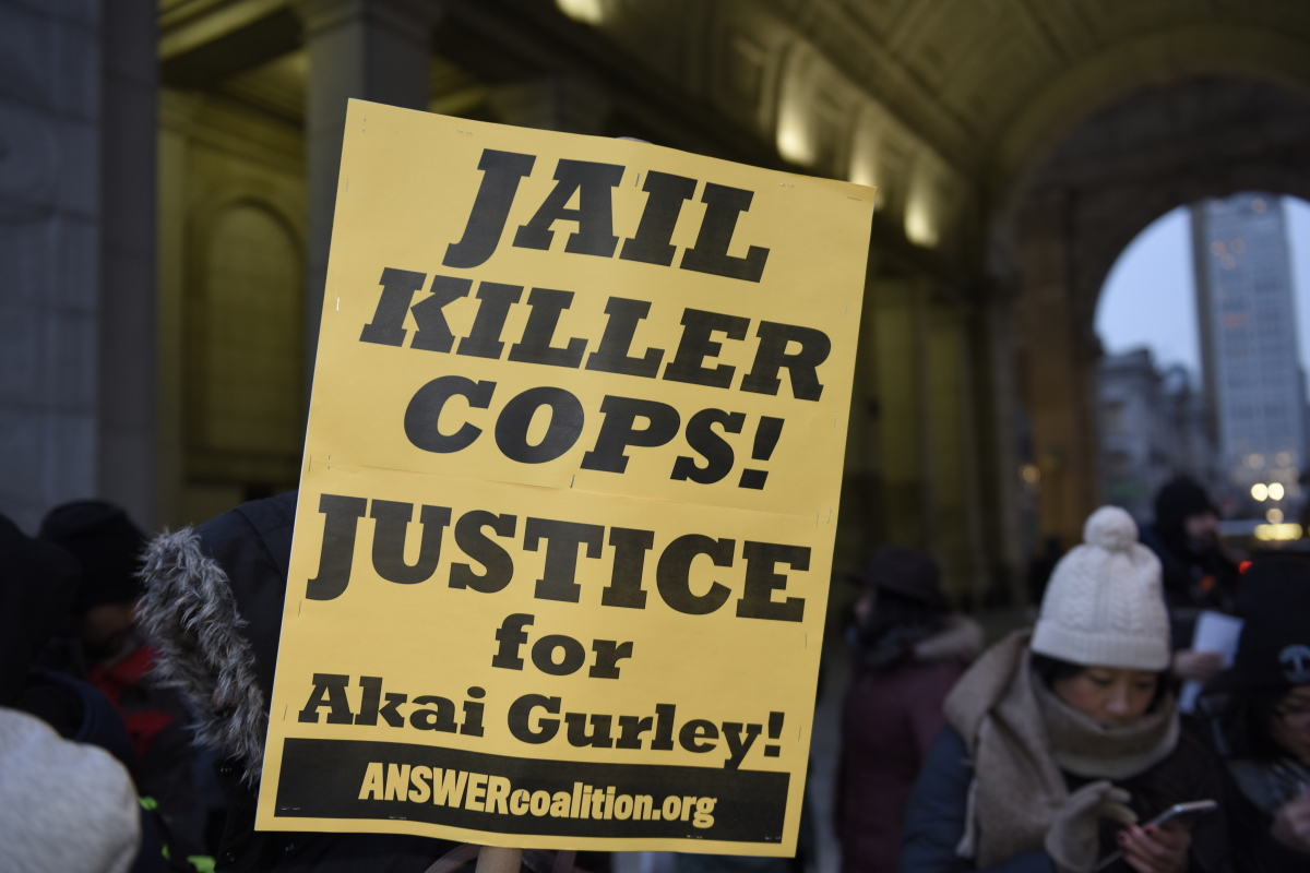 Photo of Dallas takes action for Akai Gurley