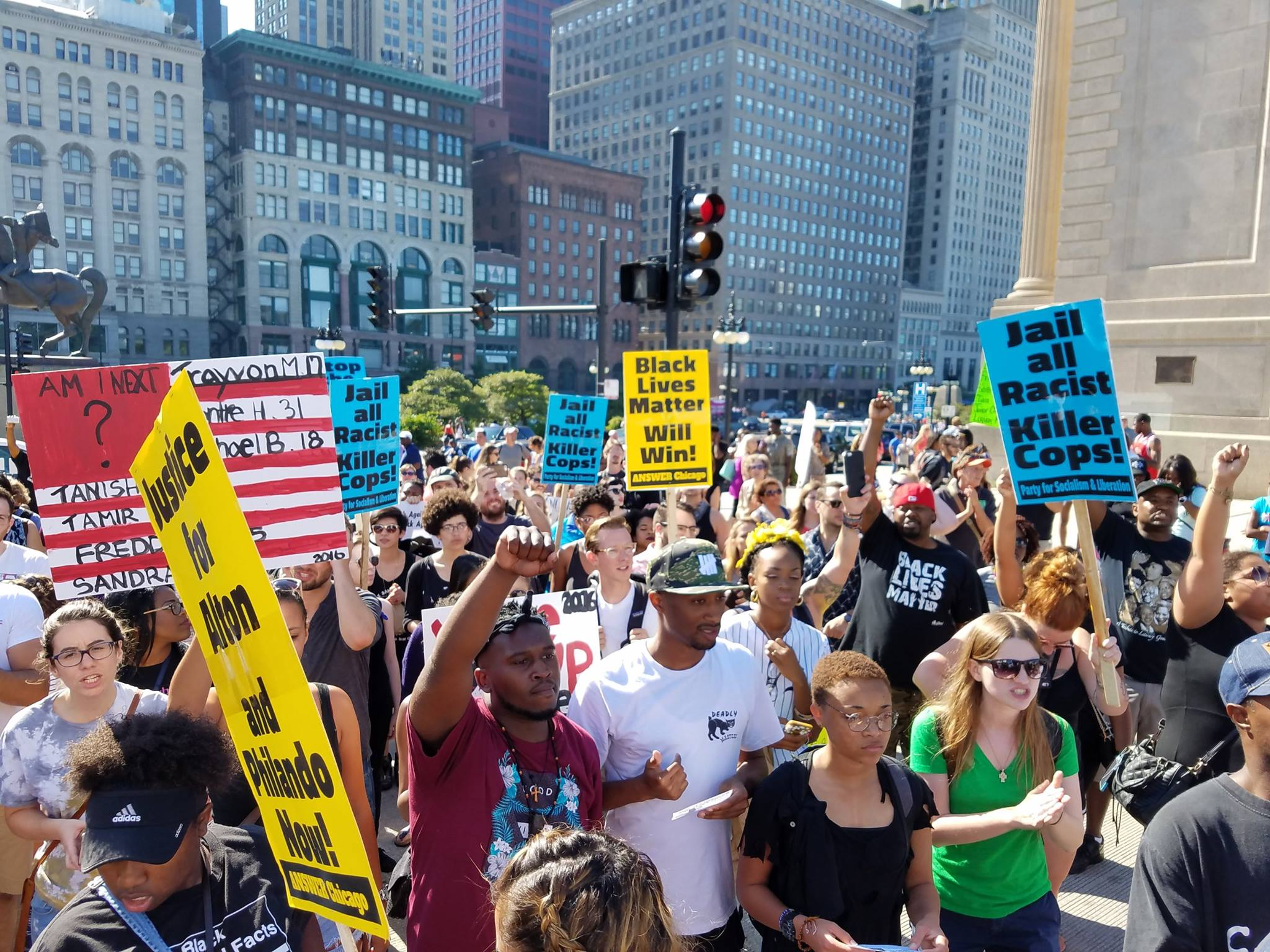 Photo of Waves of protesters shutdown Chicago for Black Lives Matter