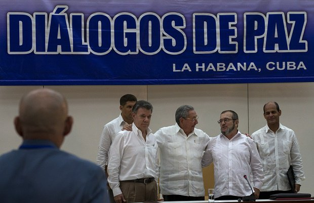 Photo of Colombia: Movement welcomes peace deal, demands guarantees against repression
