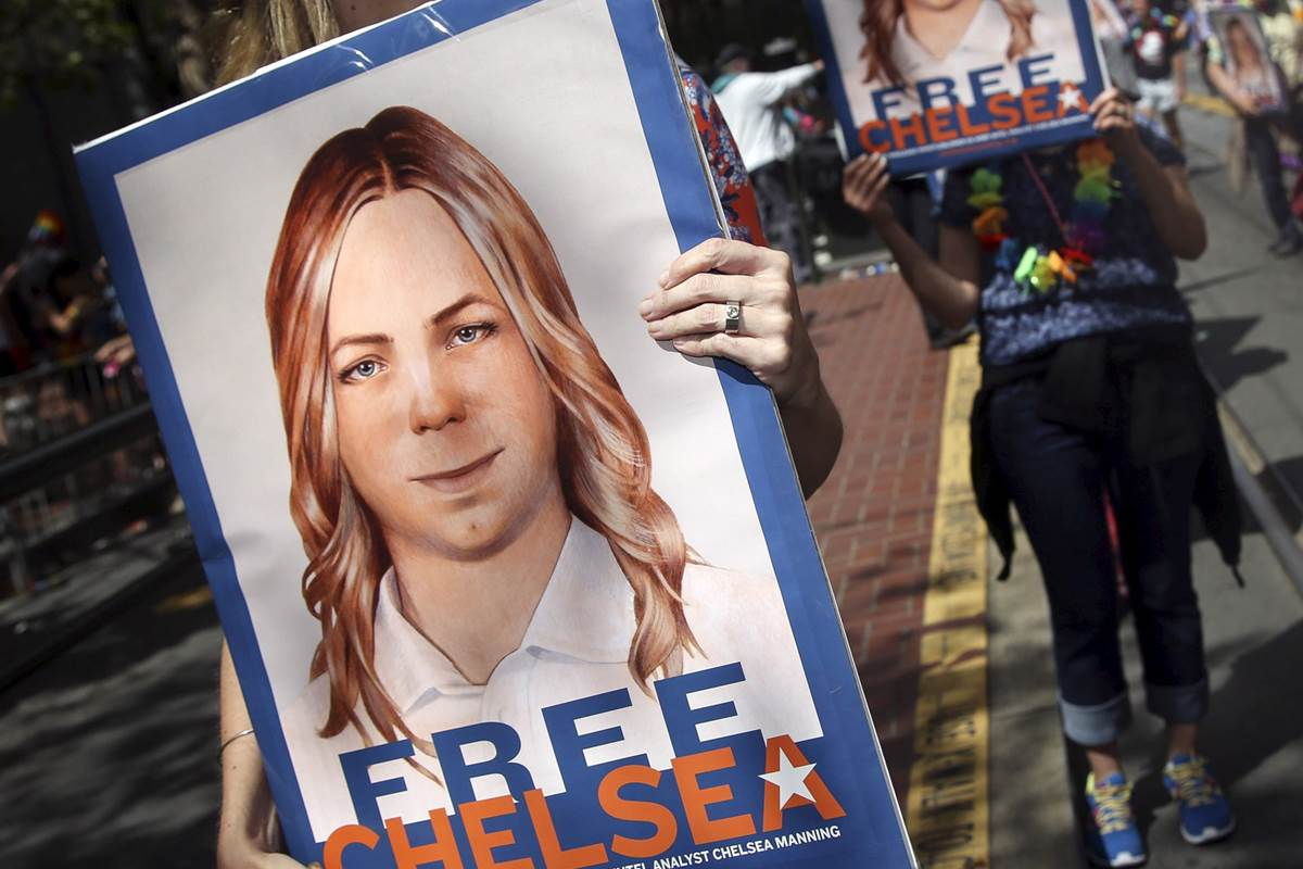 Photo of La Riva: Solidarity with Chelsea Manning