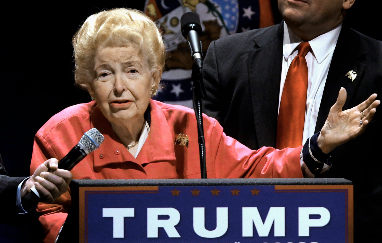 Photo of Arch right-winger Phyllis Schlafly dies