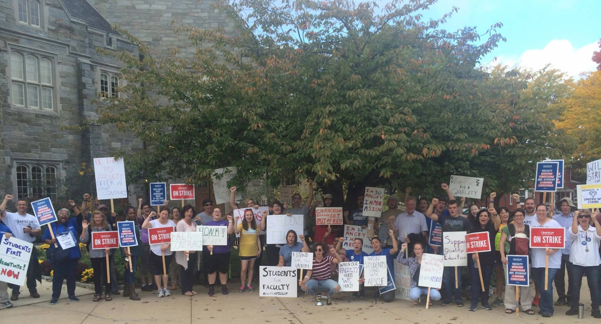 Photo of Eyewitness: Students help Pa. faculty union win strike battle