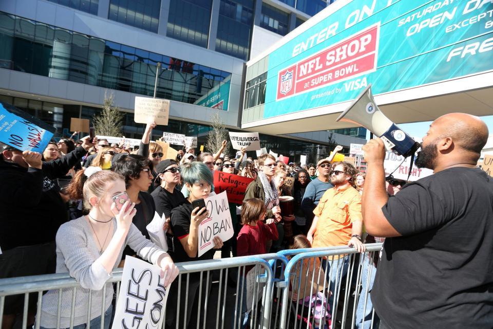 Photo of Houston says #NoBanNoWall, stop DAPL on Super Bowl Sunday