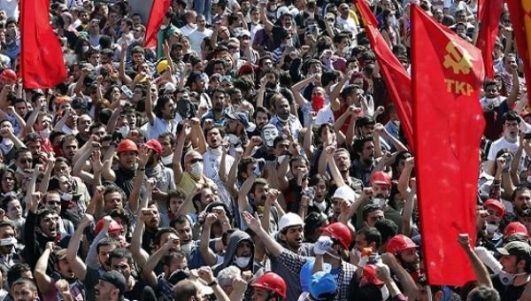 Communist Party of Turkey First Secretary: This country does not have any other choice but to fight!