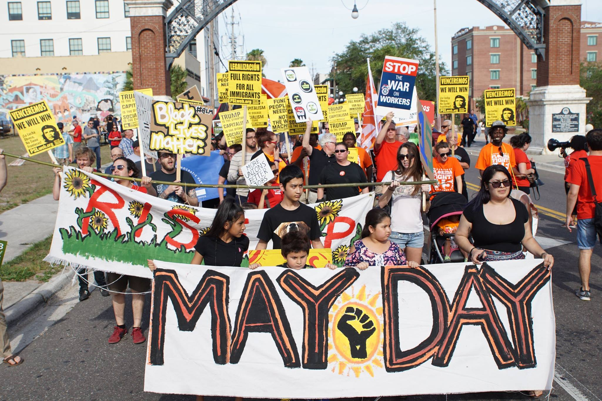 Photo of May Day march in Tampa teaches local working class history