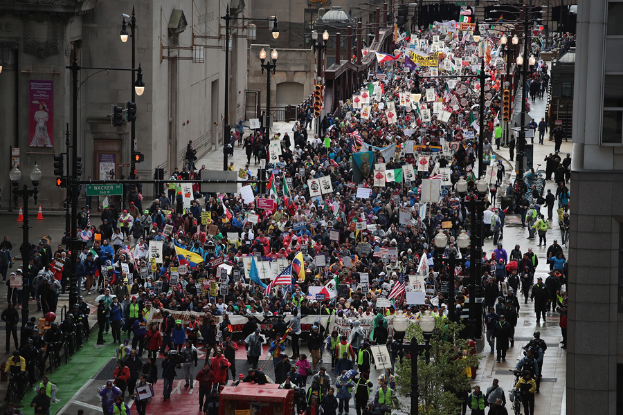 Photo of Thousands march for May Day in Chicago