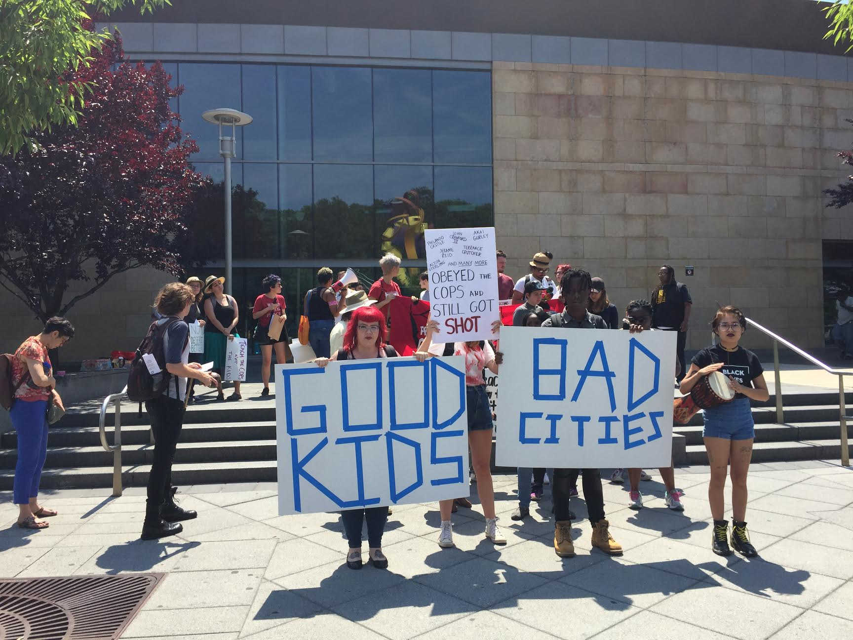 Photo of New Jersey: good kids and bad police