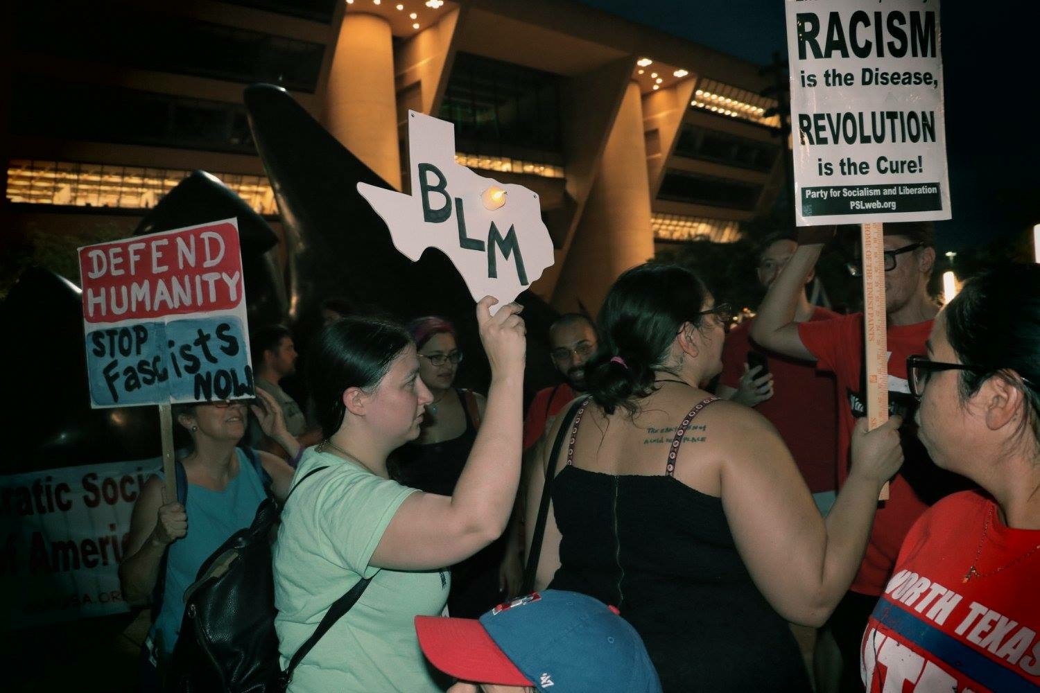 "Photo of Thousands attend ""Dallas Against White Supremacy"" protest"