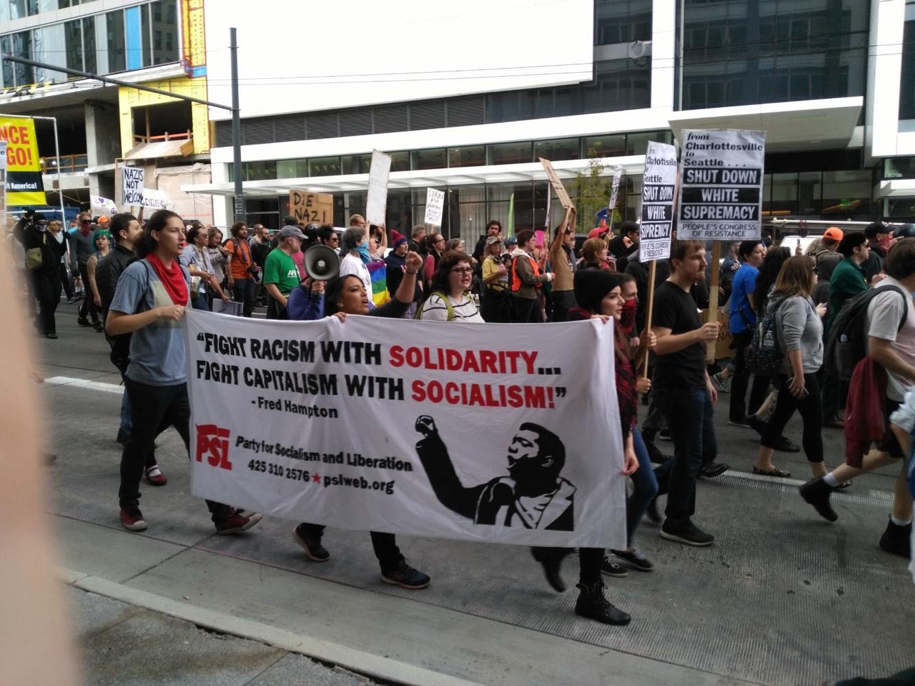 """""""Patriot Prayer"""" vastly outnumbered by Solidarity Against Hate in Seattle"""