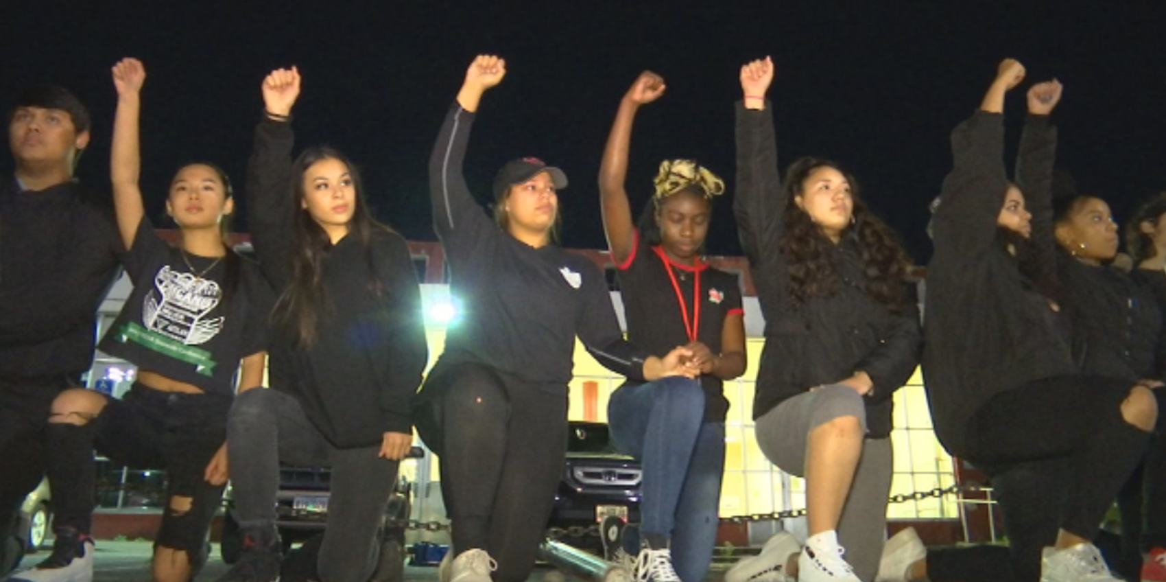 Photo of Manatee students fight to 'take a knee' as national movement grows