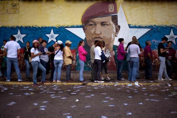 Venezuela_elections_mural_ap_img