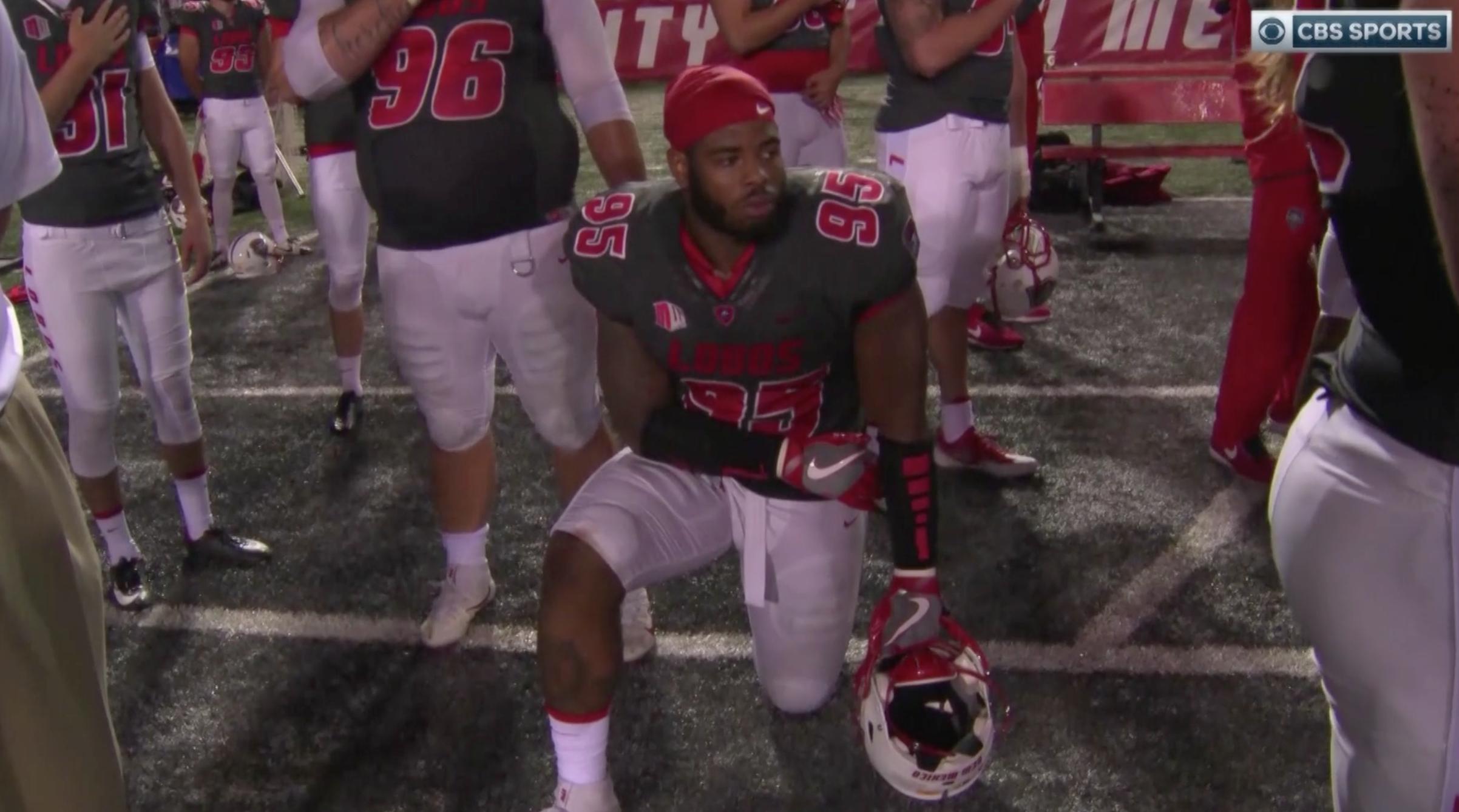 Photo of Jugadores Neomexicanos son los primeros atletas universitarios en arrodillarse contra el racismo