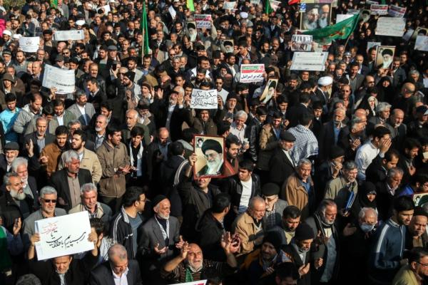 El pueblo se manifiesta para respaldar la revolución Iraní, Tehran, 30 de diciembre