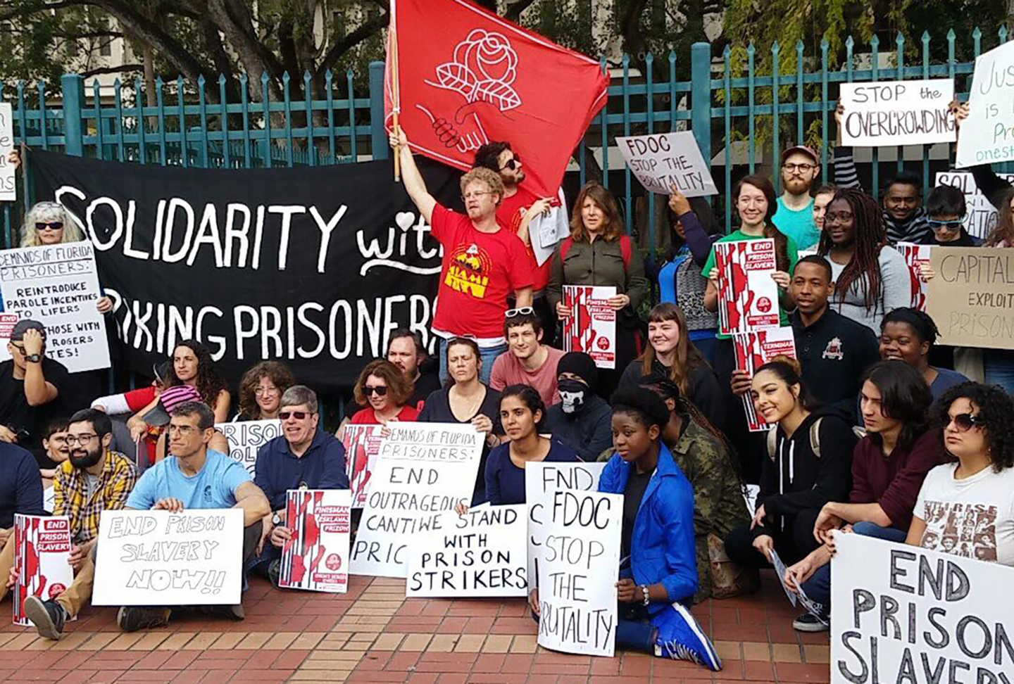 Photo of South Florida shows solidarity with striking prisoners