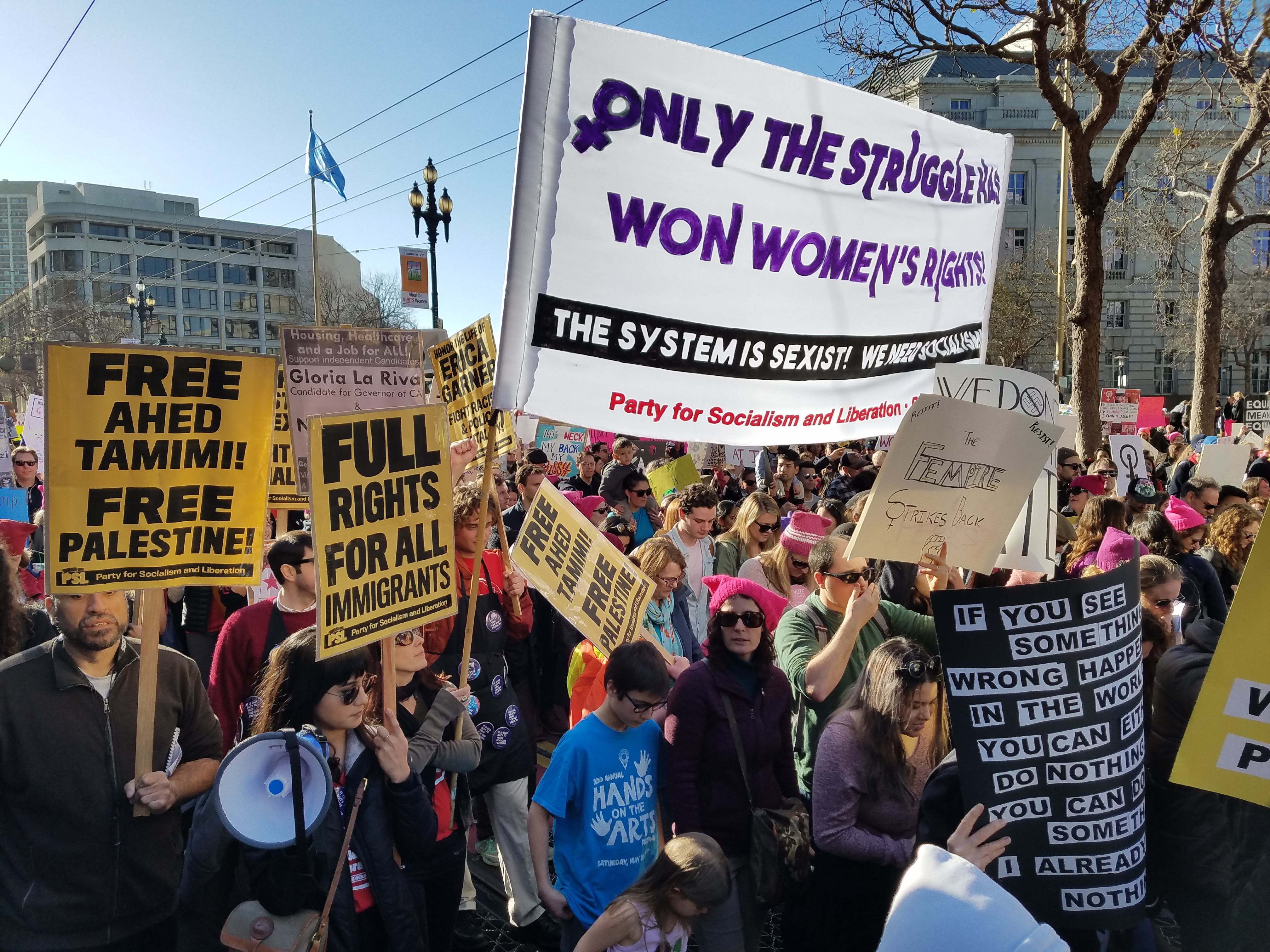 Photo of Tens of thousands march against Trump in San Francisco