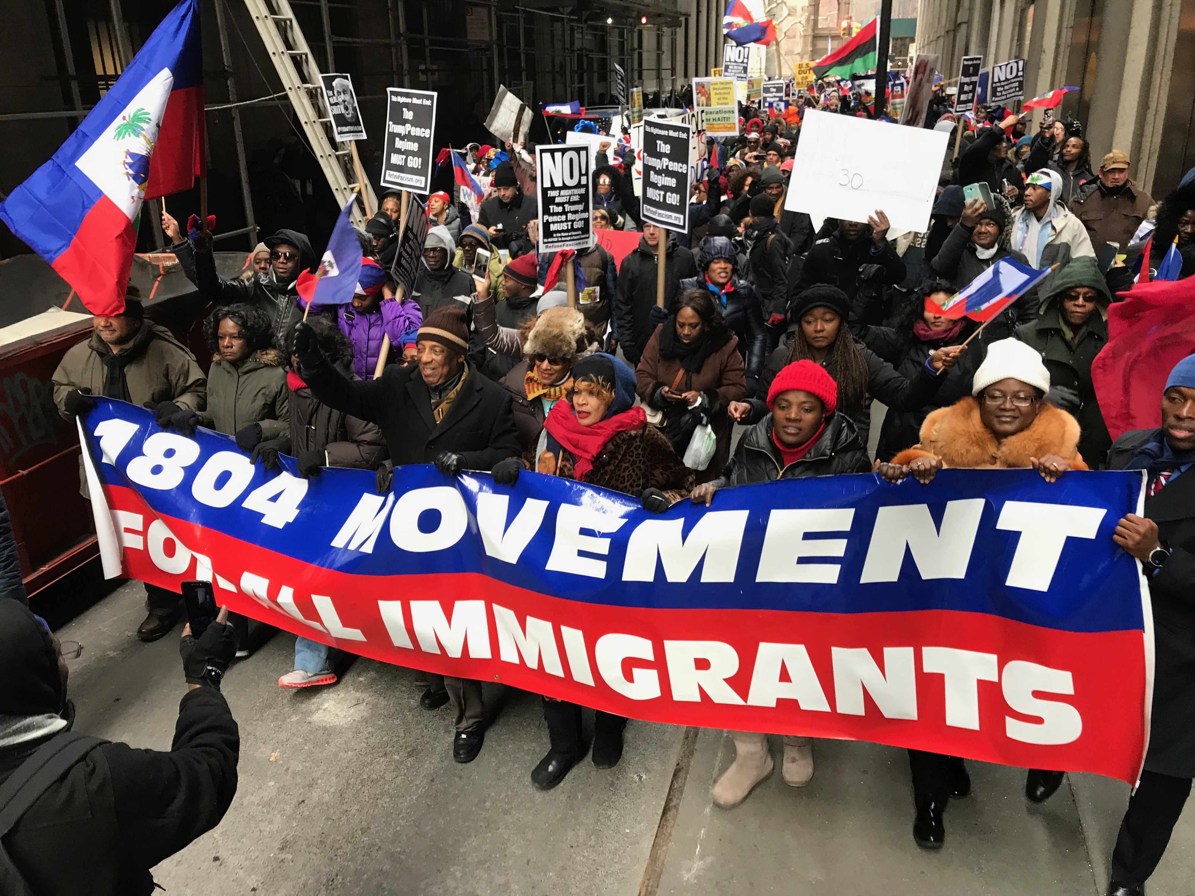 Photo of Haïti Liberté, FANM, and others sue Trump for illegal TPS cut-off