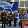 Demanda de TPS entablada en Edificio Federal. Foto Liberation: Sarah Carlsen