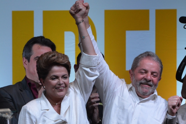 Lula (right), pictured with now-deposed President Dilma Rousseff after her election. Photo: Fabio Rodrigues Pozzebom/Agência Brasil (Agência Brasil) [CC BY 3.0 br (http://creativecommons.org/licenses/by/3.0/br/deed.en)], via Wikimedia Commons