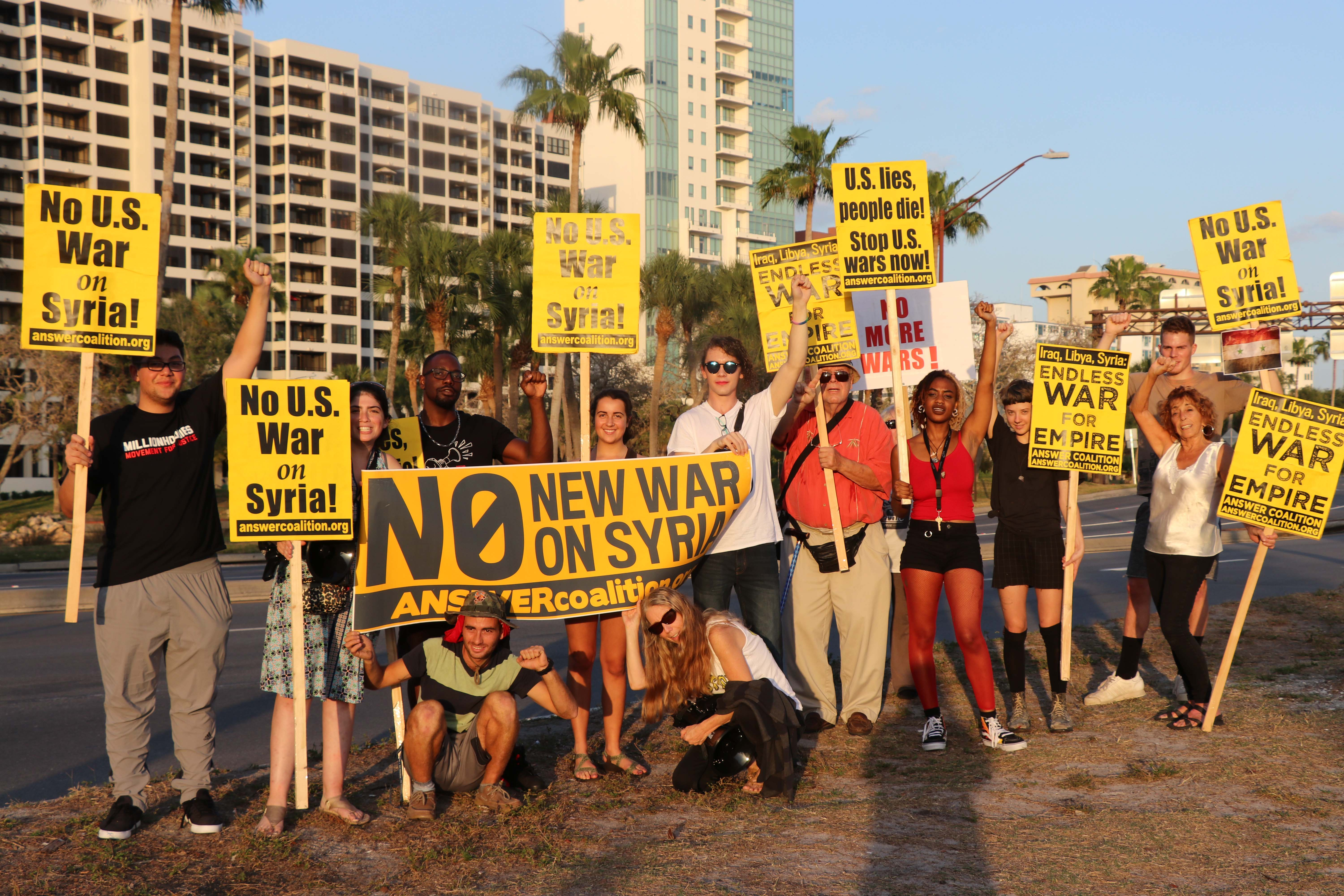 Photo of Sarasota and Tampa activists rally against war on Syria