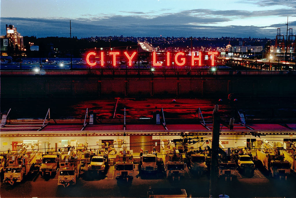 Photo of Seattle City Light provided undocumented customers' information to ICE