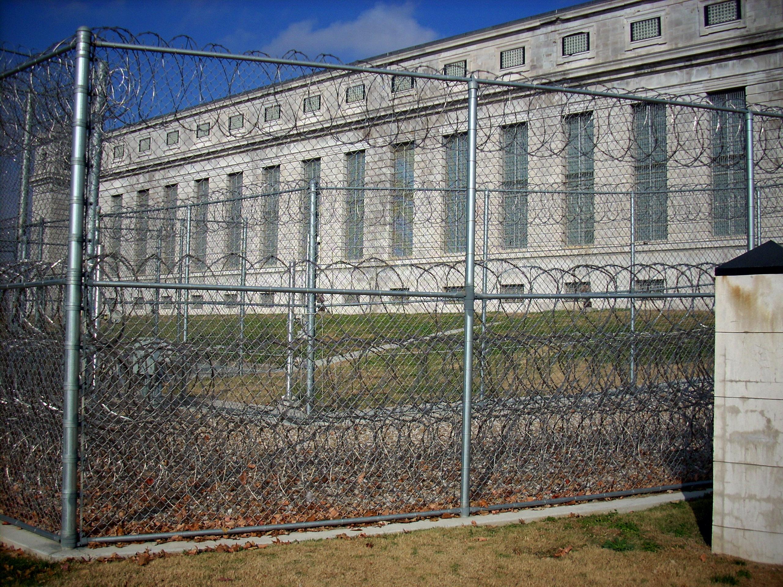 Kansas prisoners on hunger strike against CCA's inhumane