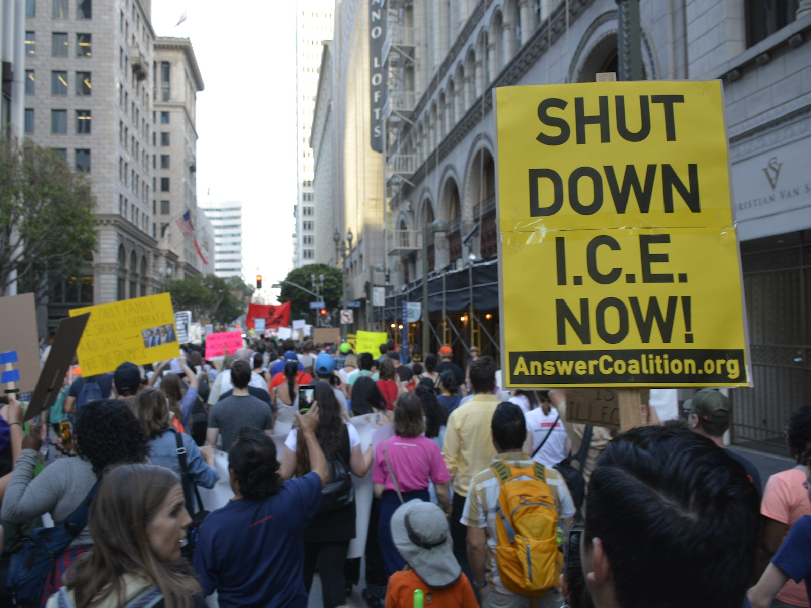 Photo of Thousands march in LA against separation of immigrant families