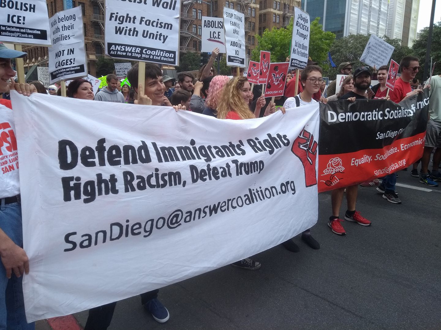 Photo of Thousands march in San Diego against family separation, detention