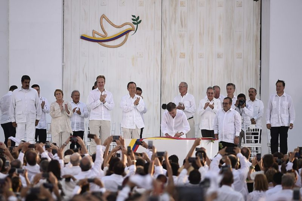 Signing ceremony for the peace accord between the FARC and the Colombian government. Photo: Government of Chile