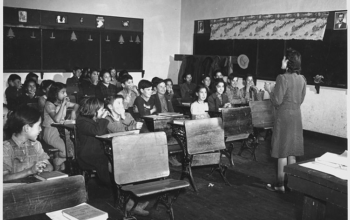 Historic photo shows overcrowded classroom in Taos NM. Photo: Wikimedia Commons